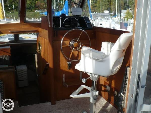 1984 Aluminum Cruisers 28 Marinette - Photo #8