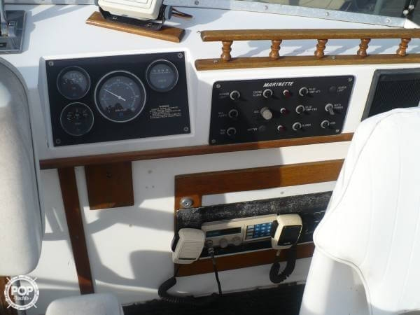 1984 Aluminum Cruisers 28 Marinette - Photo #12