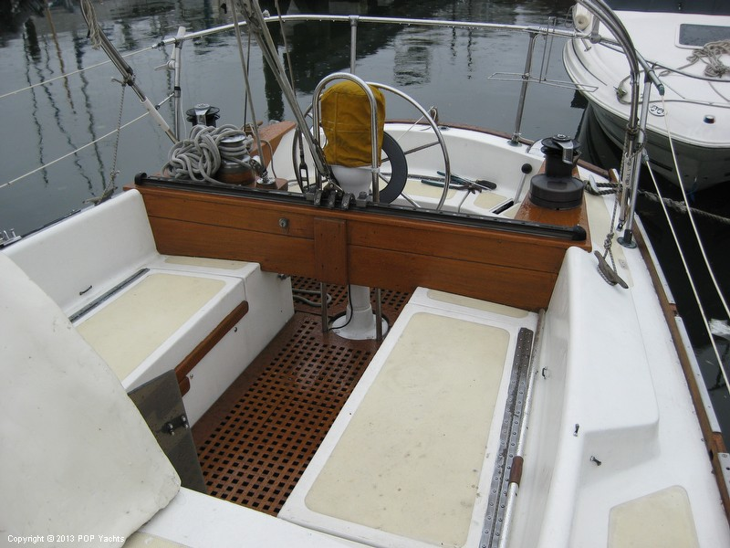 1971 Irwin Yachts 43 Classic - Photo #9