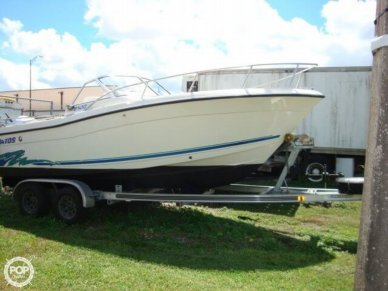 Stratos 2100 DC, 23', for sale - $12,900