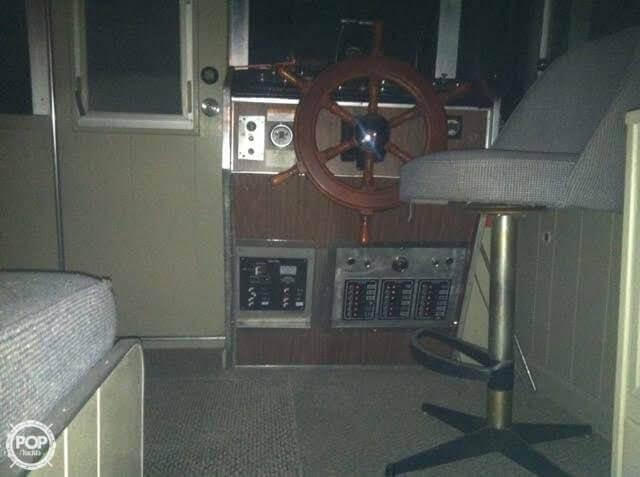 1969 Marinette 34 River Cruiser - Photo #12