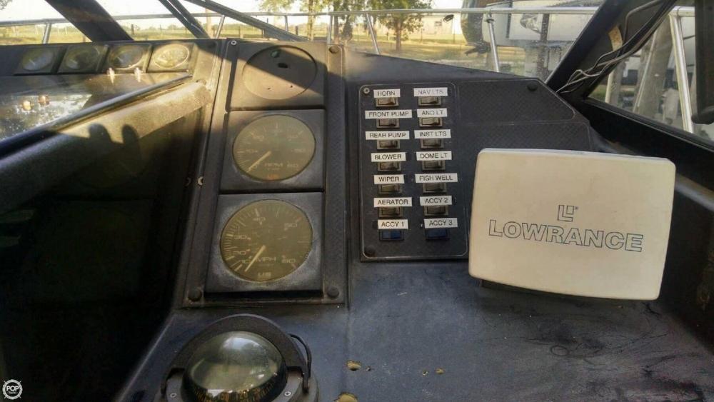 1994 Bayliner Trophy 22 Walkaround - Photo #5