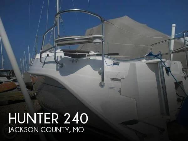 2001 Hunter 240 - Photo #1