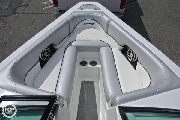 2009 Epic 23V Wake Boat - Photo #7