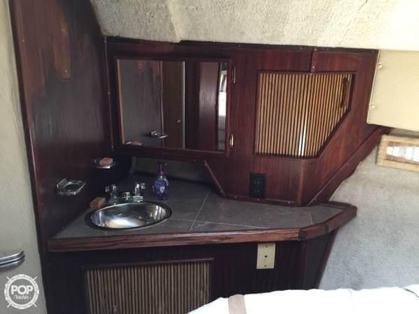 1986 Sea Ray 390 Express - Photo #3