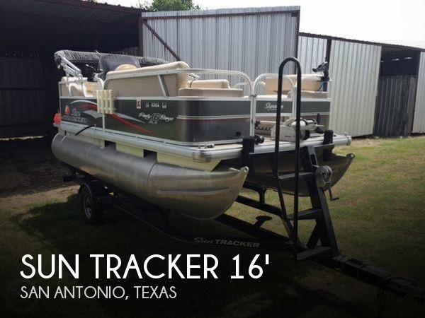 Used Pontoon Boats For Sale in Texas by owner | 2015 Sun Tracker 16