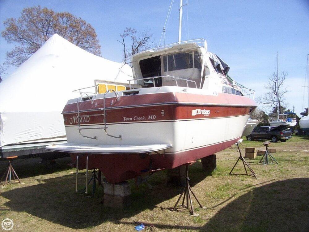 1984 Cruisers 296 Avanti Vee - Photo #8