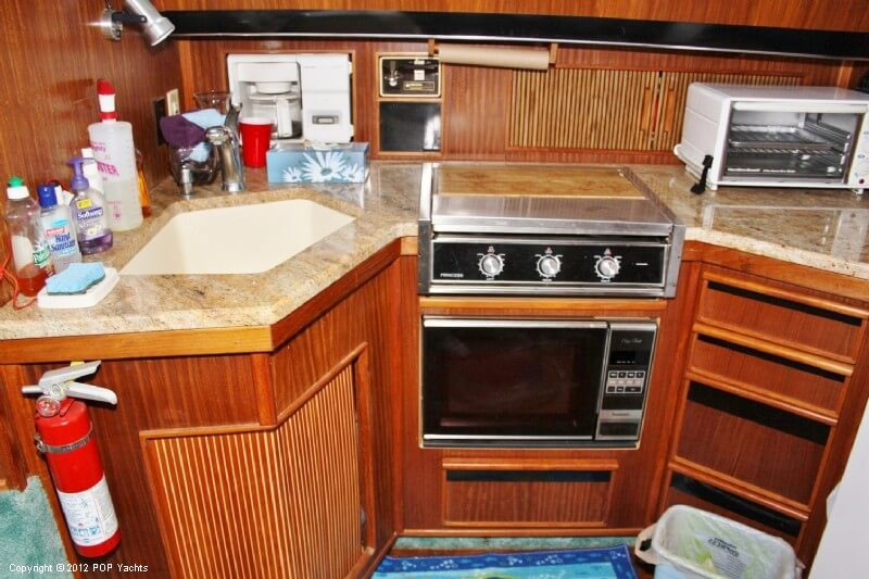 1987 Sea Ray boat for sale, model of the boat is 410 Aft Cabin & Image # 10 of 40