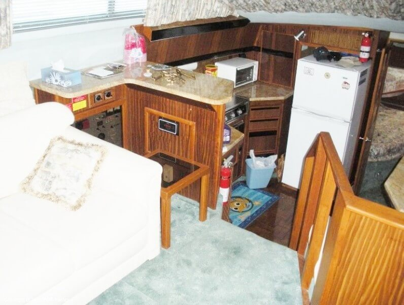 1987 Sea Ray boat for sale, model of the boat is 410 Aft Cabin & Image # 21 of 40