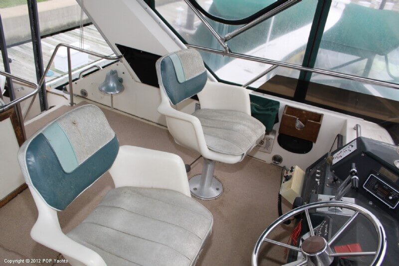 1987 Sea Ray boat for sale, model of the boat is 410 Aft Cabin & Image # 27 of 40