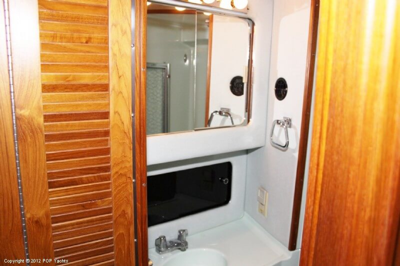 1987 Sea Ray boat for sale, model of the boat is 410 Aft Cabin & Image # 39 of 40