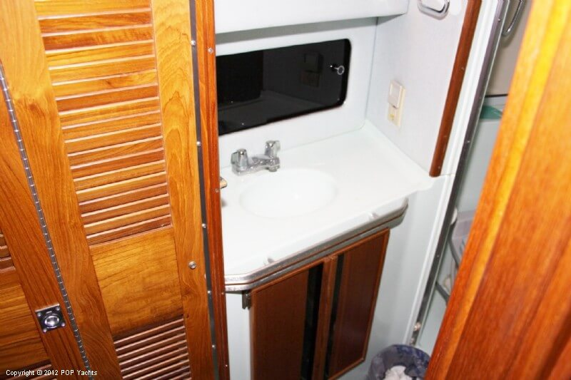1987 Sea Ray boat for sale, model of the boat is 410 Aft Cabin & Image # 40 of 40