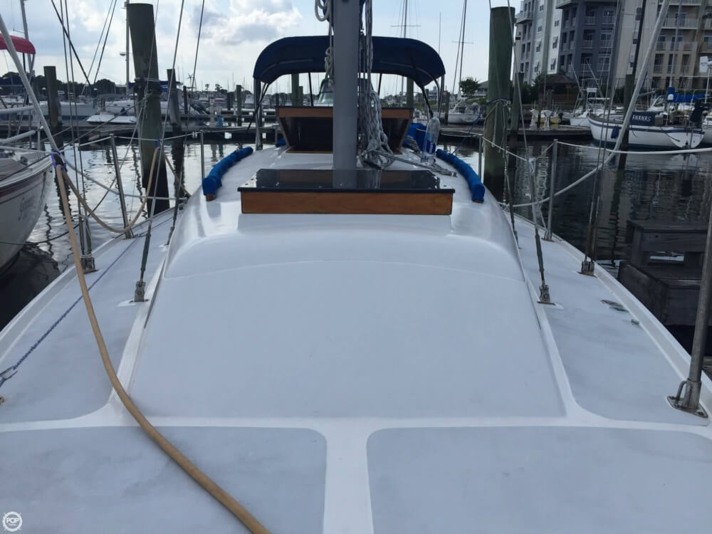 1975 Ericson Yachts Ericson 32 - Photo #6