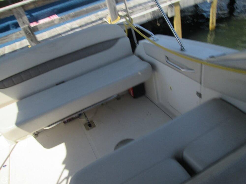 2001 Regal Commodore 2660 - Photo #12