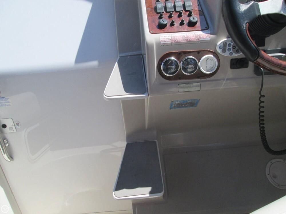 2001 Regal Commodore 2660 - Photo #35