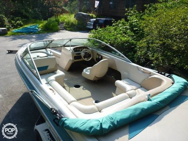 1998 Mastercraft Maristar 225 VRS - Photo #3
