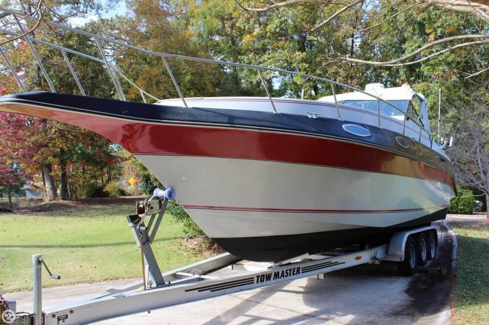 1986 Cruisers Yachts boat for sale, model of the boat is 27 & Image # 3 of 40