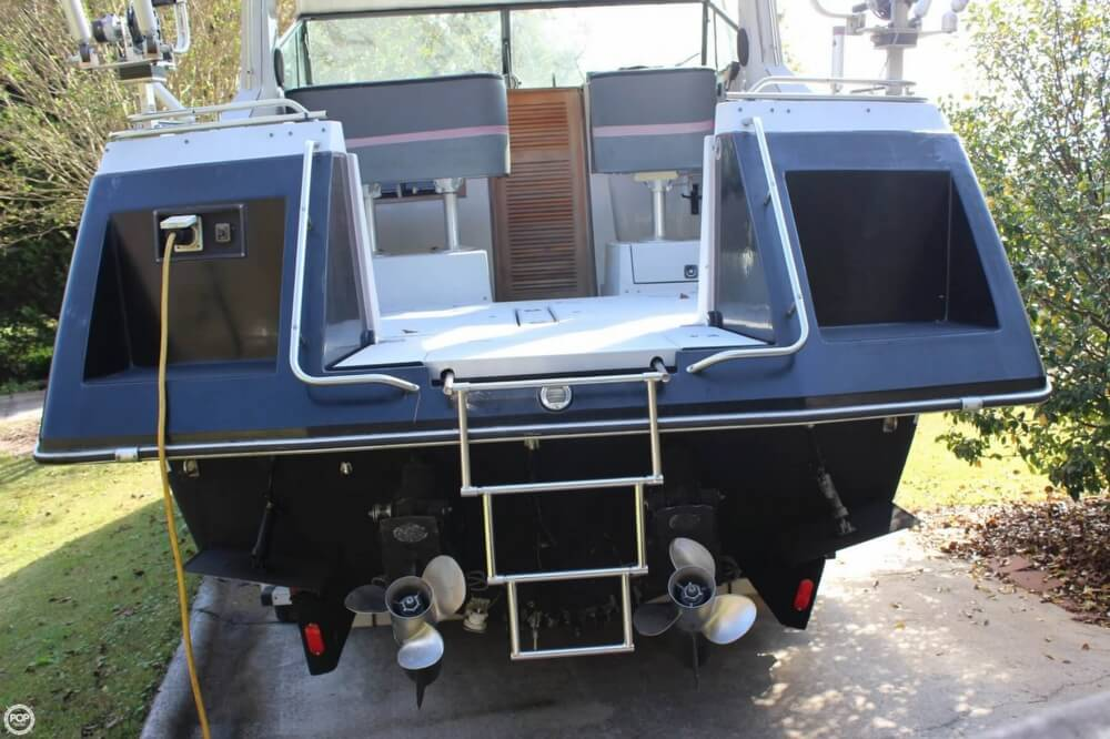 1986 Cruisers Yachts boat for sale, model of the boat is 27 & Image # 6 of 40