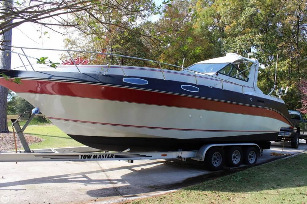 1986 Cruisers Yachts boat for sale, model of the boat is 27 & Image # 11 of 40