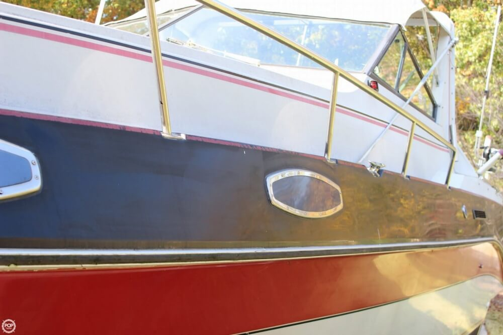 1986 Cruisers Yachts boat for sale, model of the boat is 27 & Image # 19 of 40
