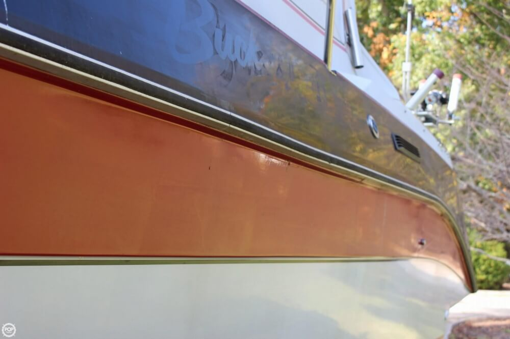 1986 Cruisers Yachts boat for sale, model of the boat is 27 & Image # 20 of 40