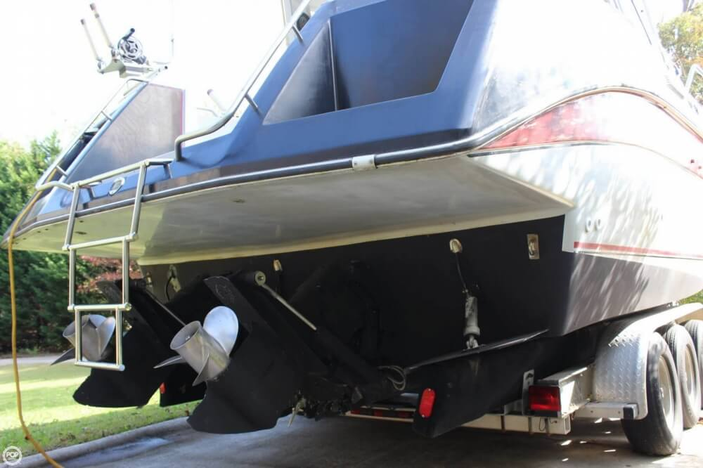 1986 Cruisers Yachts boat for sale, model of the boat is 27 & Image # 23 of 40