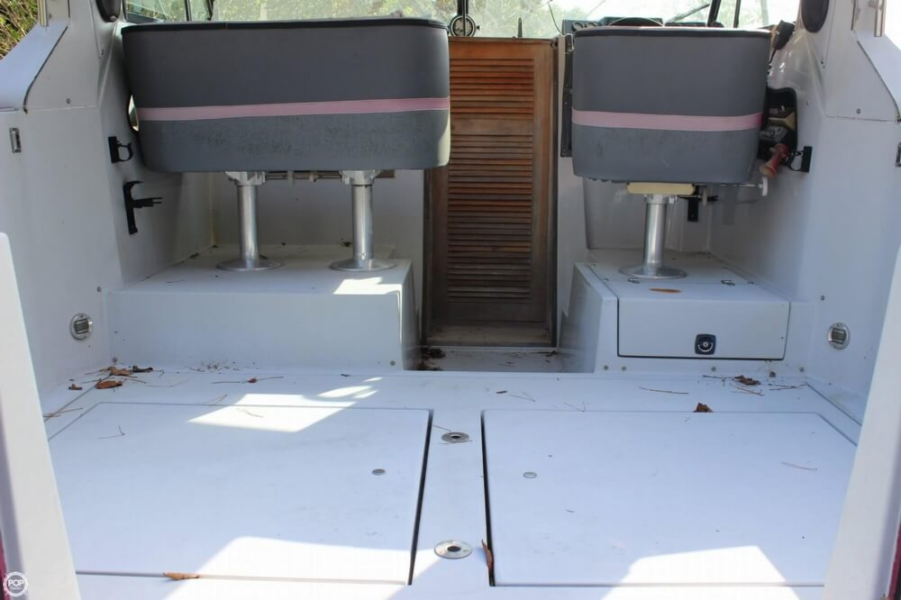 1986 Cruisers Yachts boat for sale, model of the boat is 27 & Image # 37 of 40