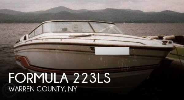 1990 Formula 223LS - Photo #1