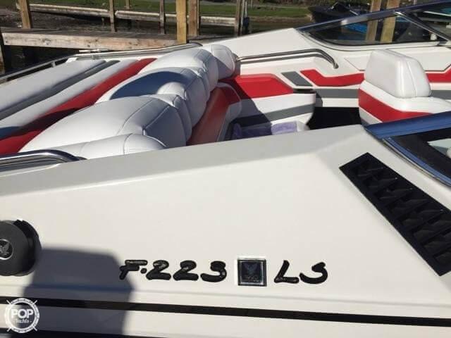 1990 Formula 223LS - Photo #6