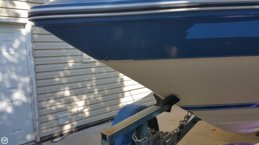 1987 Sea Ray 230 Cuddy Cabin - Photo #31