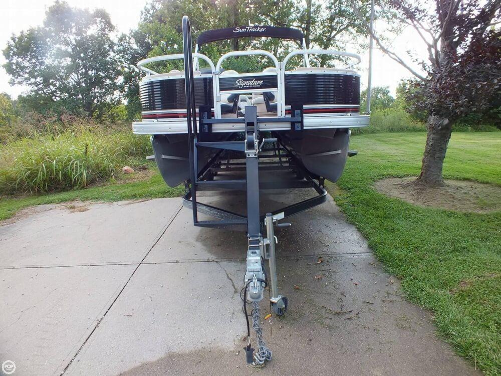2012 Sun Tracker FISHIN' BARGE 24 DLX - Photo #3