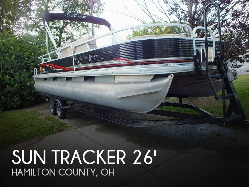 2012 Sun Tracker FISHIN' BARGE 24 DLX - Photo #1