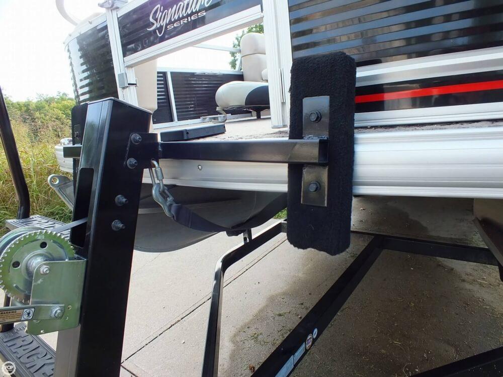 2012 Sun Tracker FISHIN' BARGE 24 DLX - Photo #13