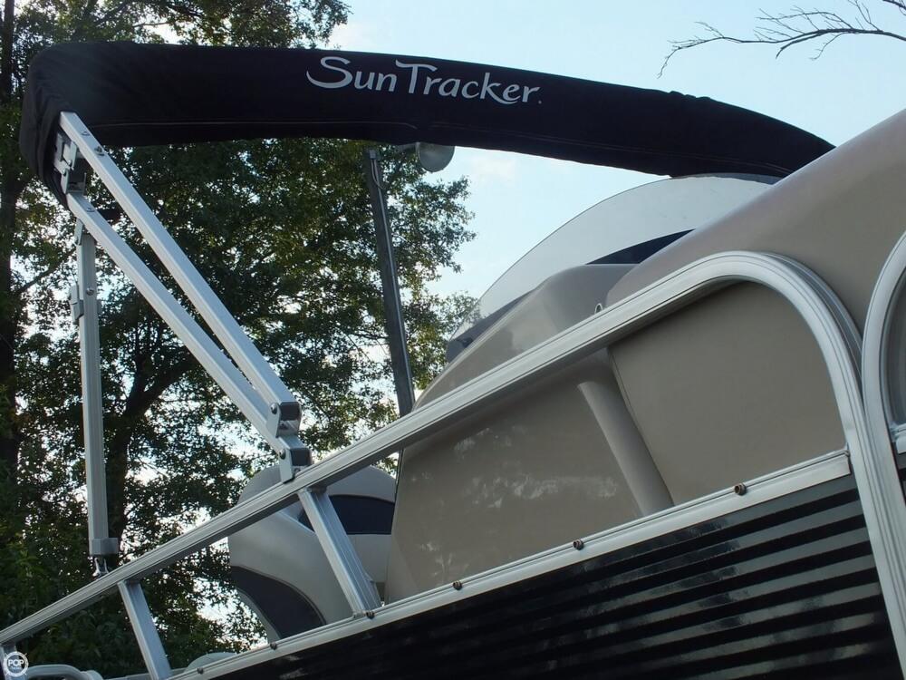 2012 Sun Tracker FISHIN' BARGE 24 DLX - Photo #20