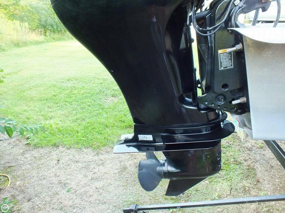 2012 Sun Tracker FISHIN' BARGE 24 DLX - Photo #32