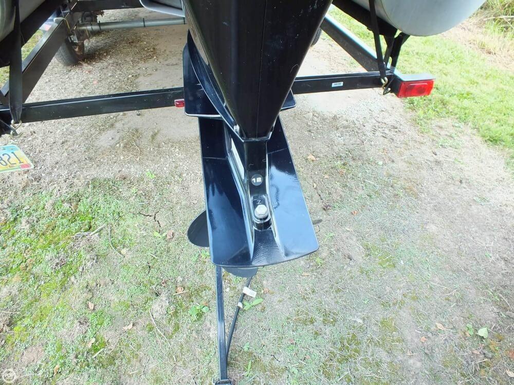 2012 Sun Tracker FISHIN' BARGE 24 DLX - Photo #38
