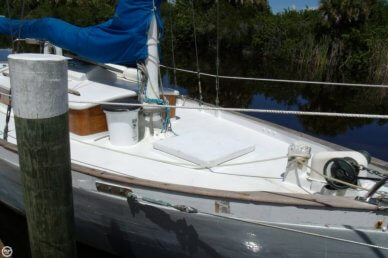 Brighton 32, 32', for sale - $20,000