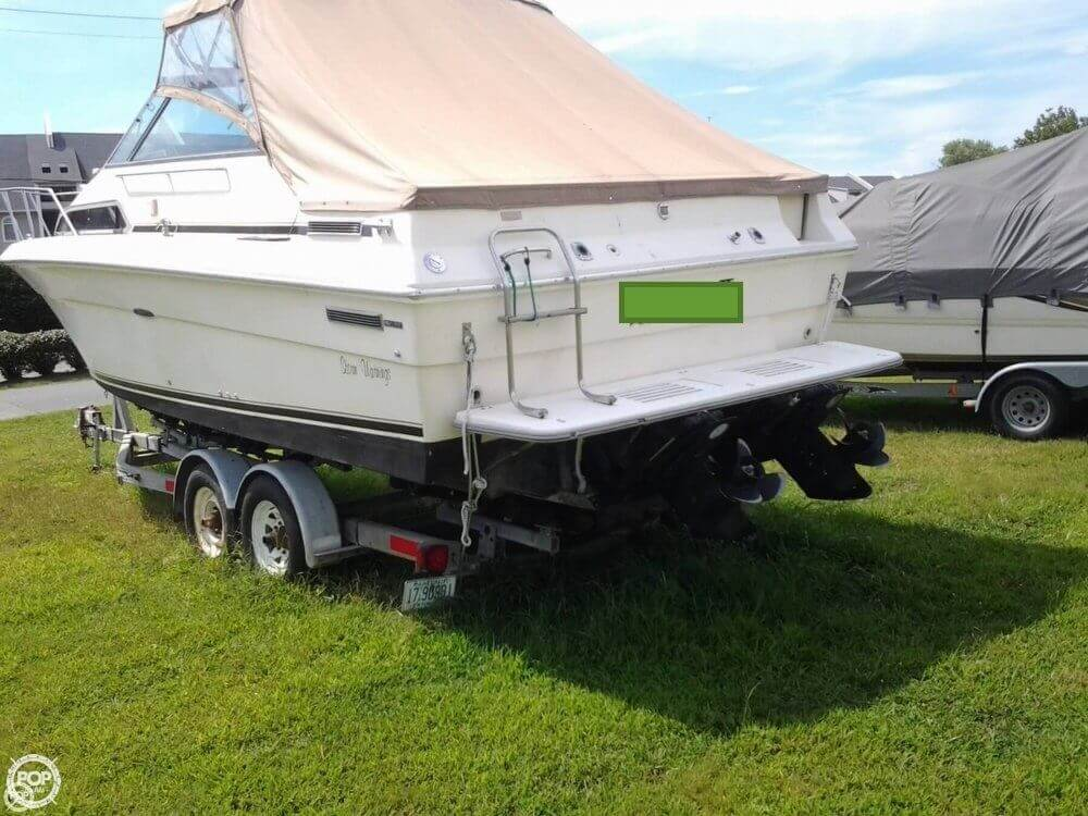 1984 Sea Ray boat for sale, model of the boat is 270 Sundancer & Image # 2 of 40