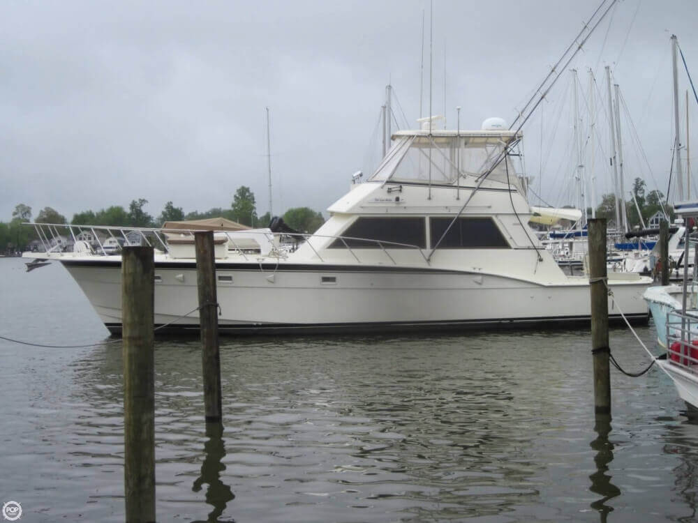 1982 Hatteras 55 Convertible - Photo #2