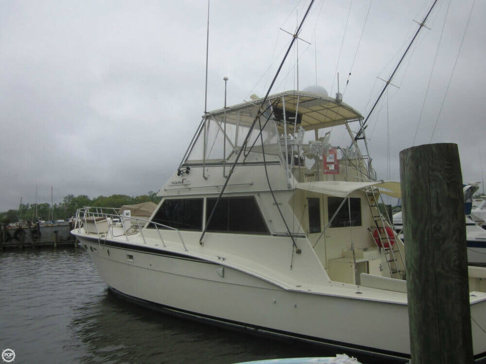 1982 Hatteras 55 Convertible - Photo #3