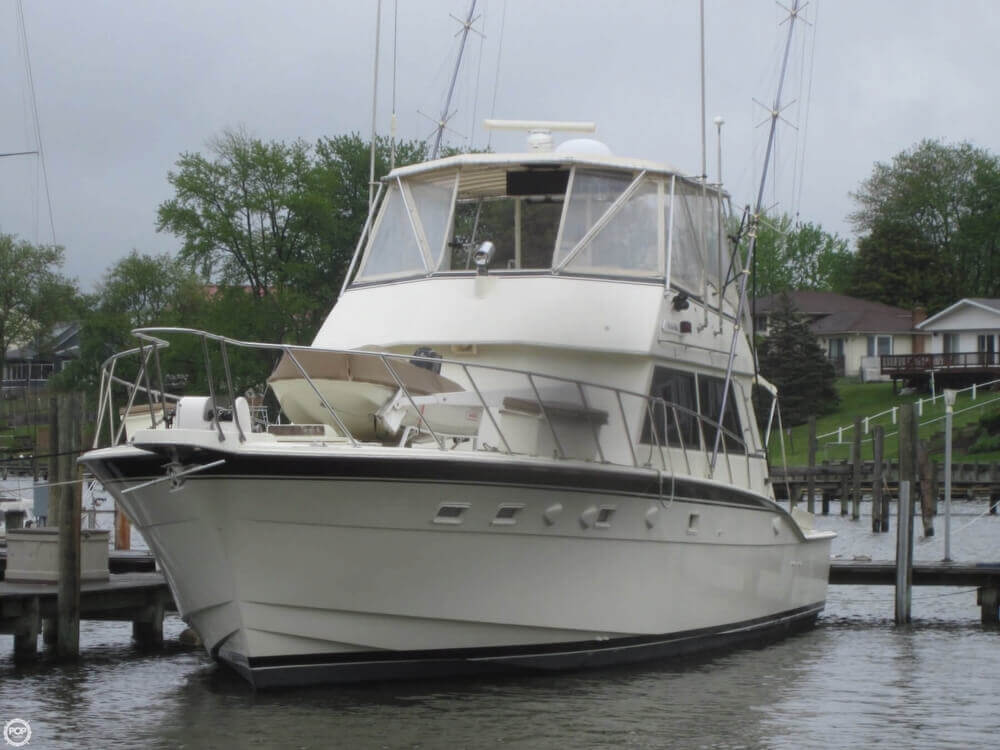 1982 Hatteras 55 Convertible - Photo #4