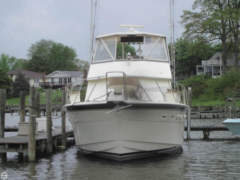1982 Hatteras 55 Convertible - Photo #5