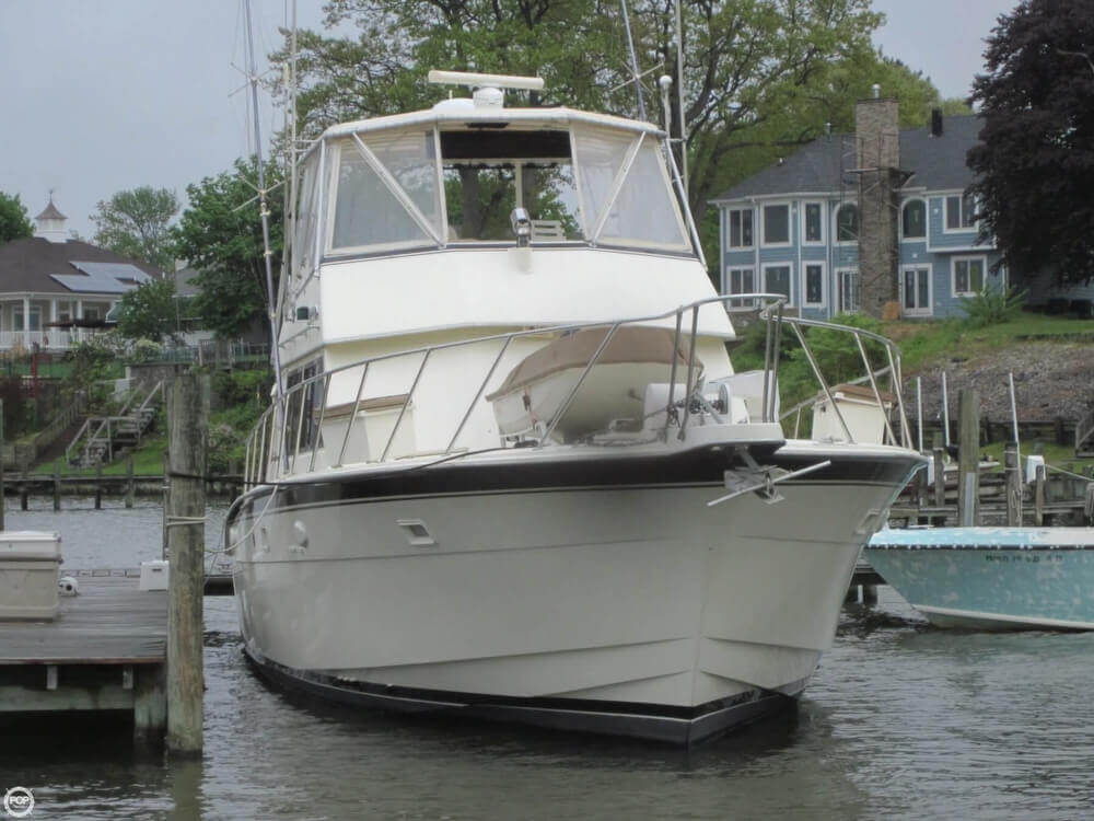 1982 Hatteras 55 Convertible - Photo #6