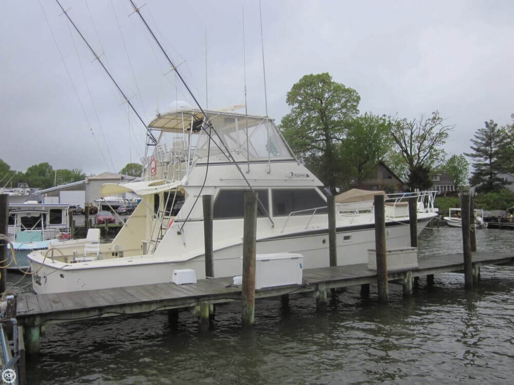 1982 Hatteras 55 Convertible - Photo #11