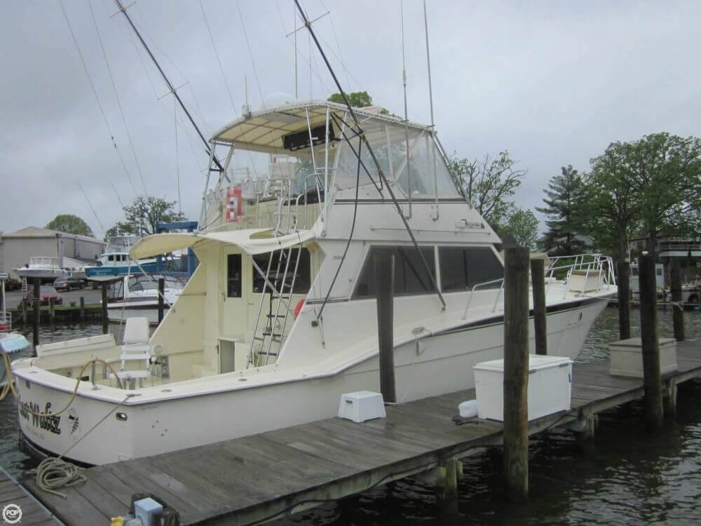 1982 Hatteras 55 Convertible - Photo #12