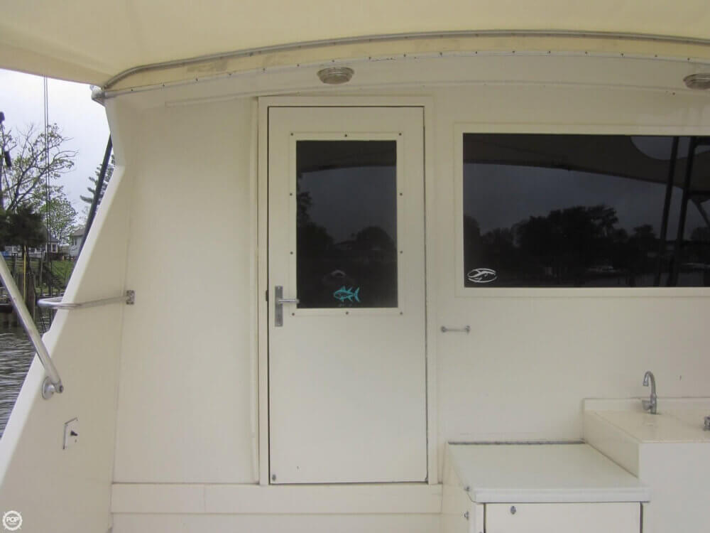 1982 Hatteras 55 Convertible - Photo #17