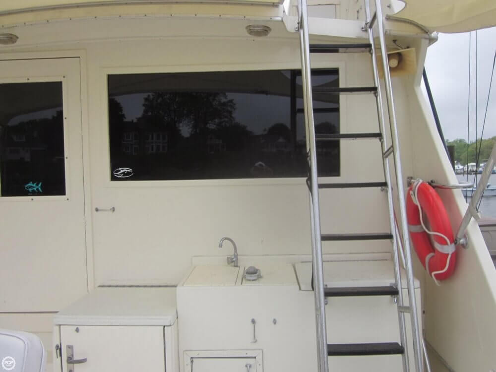 1982 Hatteras 55 Convertible - Photo #18