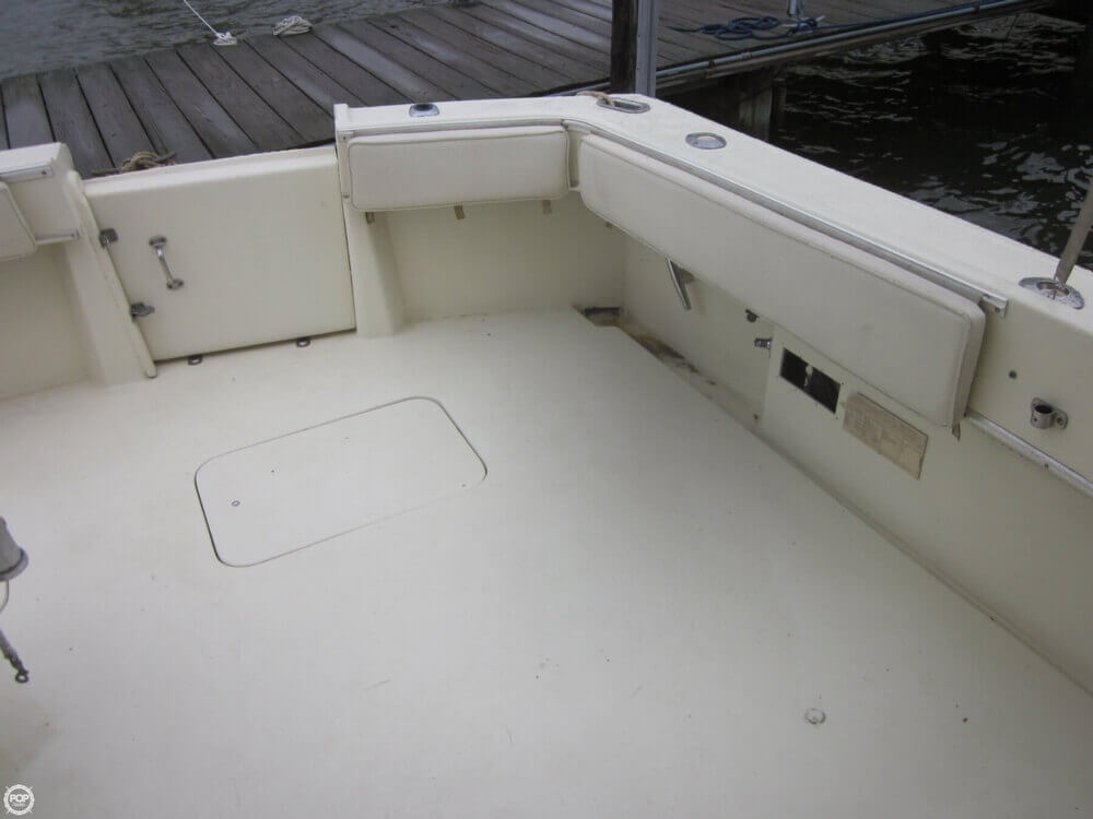 1982 Hatteras 55 Convertible - Photo #27
