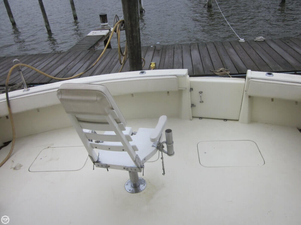 1982 Hatteras 55 Convertible - Photo #28
