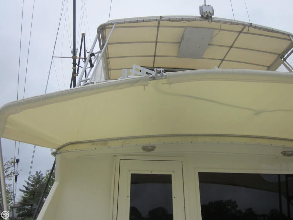 1982 Hatteras 55 Convertible - Photo #33